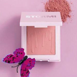 NEW Kylie cosmetics Stormi blush